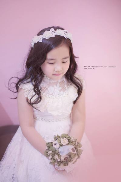 Kids / Flower Girl Vintage Lace gown